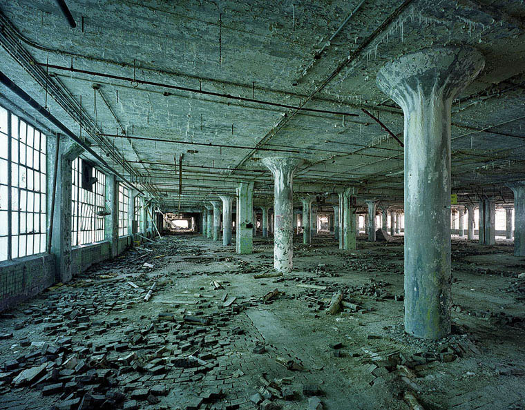 ruins of detroit yves marchand romain meffre 2 The Ruins of Detroit