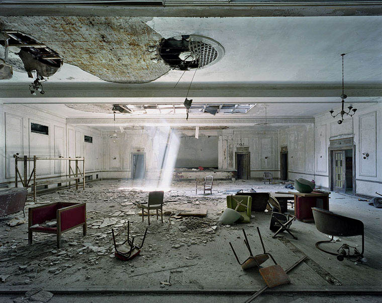 ruins of detroit yves marchand romain meffre 20 The Ruins of Detroit