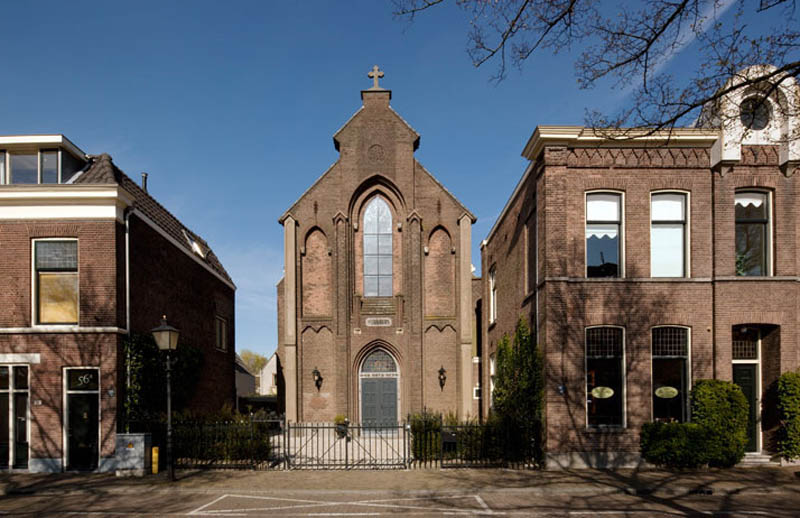 church conversion into residence utrecht the netherlands zecc architects 20 The House with Underground Caverns
