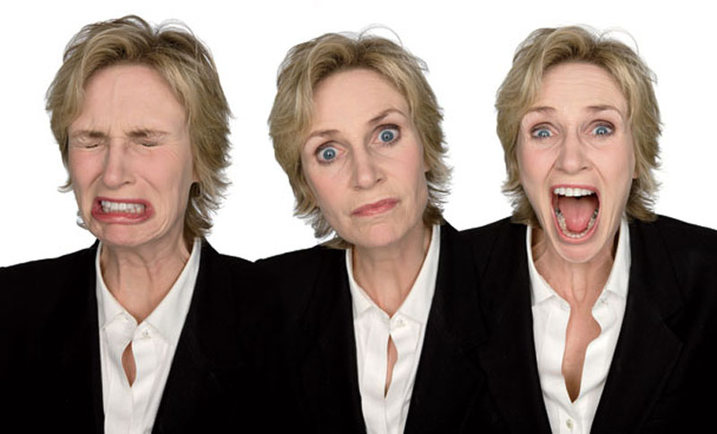jane lynch acting in character Funny Faces: Famous Actors Acting Out [20 Pics]