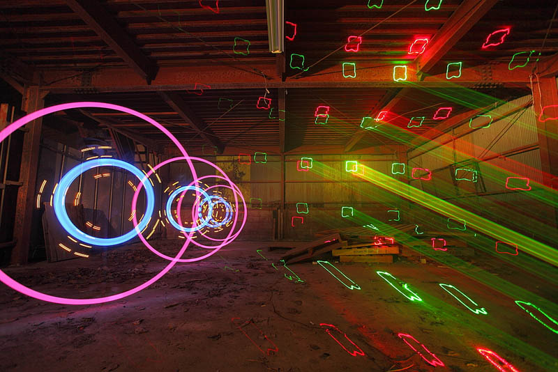 light painting light drawing light graffiti trevor williams 10 Amazing Light Paintings by Trevor Williams [25 pics]
