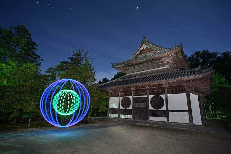 light painting light drawing light graffiti trevor williams 20 Amazing Light Paintings by Trevor Williams [25 pics]