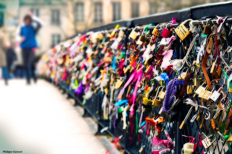 lovers bridge pont des arts paris france Picture of the Day: Lovers Bridge in Paris