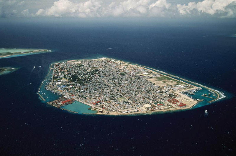 malc3a9 island north malc3a9 atoll maldives 25 Mind Blowing Aerial Photographs Around the World