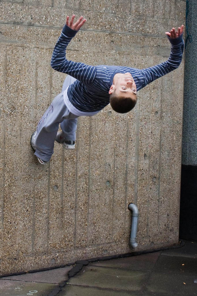 parkour pk freerunning traceurs 11 25 Incredible Parkour Photographs