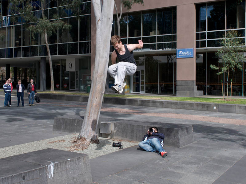 parkour pk freerunning traceurs 13 25 Incredible Parkour Photographs
