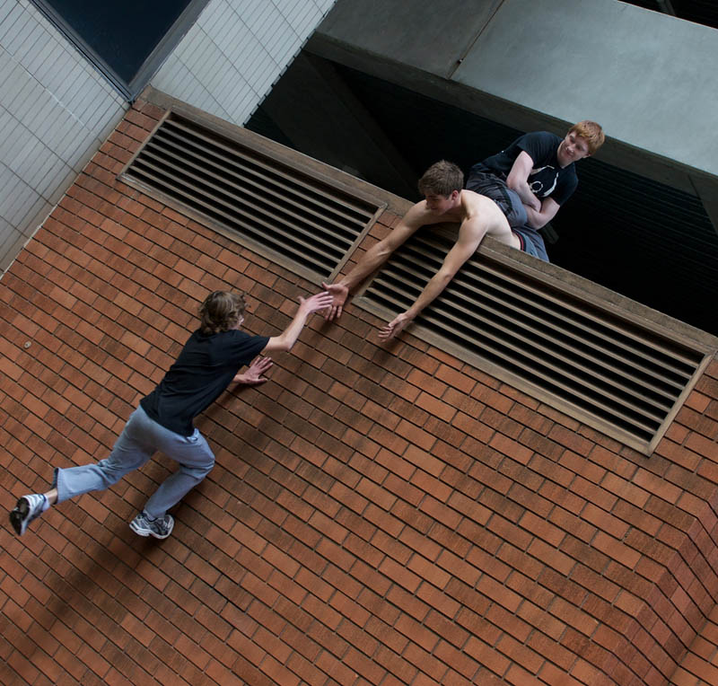 parkour pk freerunning traceurs 14 25 Incredible Parkour Photographs