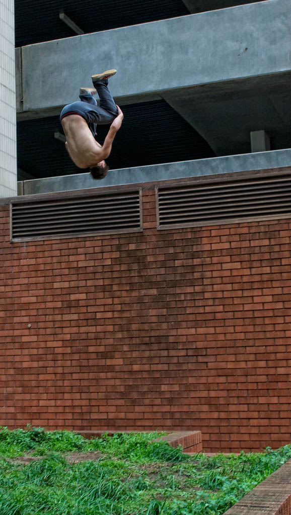 parkour pk freerunning traceurs 17 25 Incredible Parkour Photographs