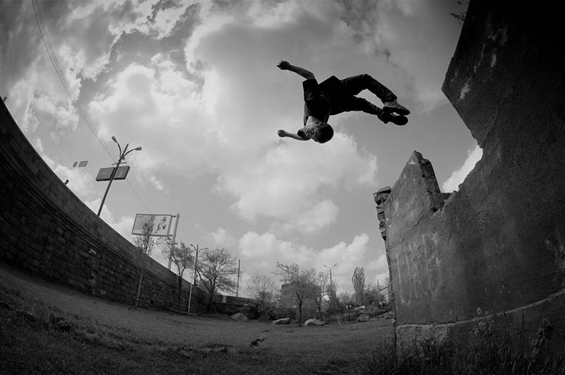 25 Incredible Parkour Photographs