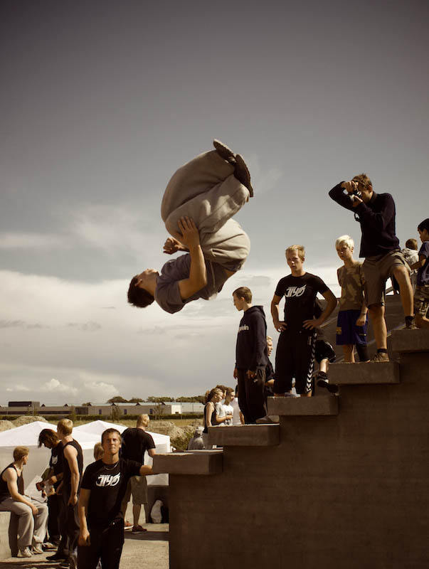 parkour pk freerunning traceurs 3 25 Incredible Parkour Photographs