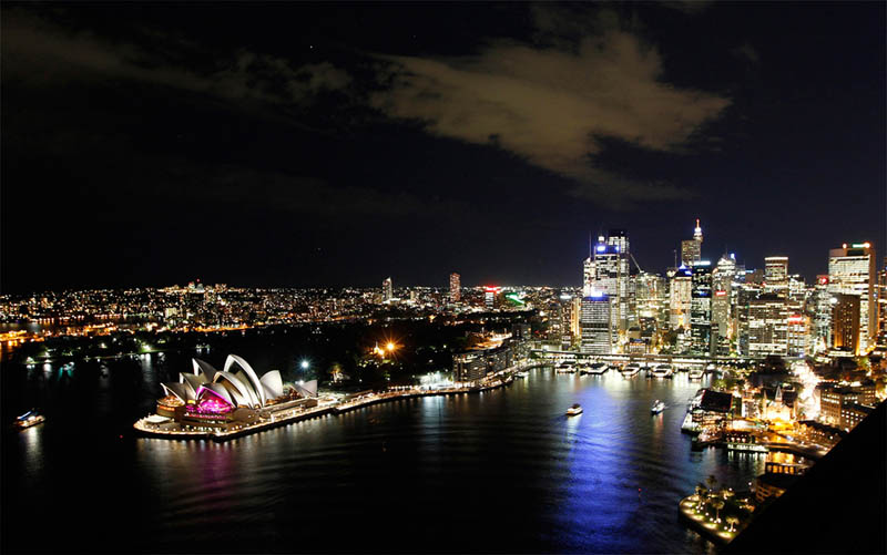 Picture of the Day: Lights OutSydney!