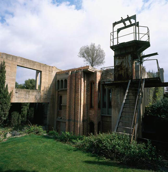 cement factory conversion ricardo bofill barcelona spain 17 Incredible Cement Factory Conversion in Barcelona [30 pics]