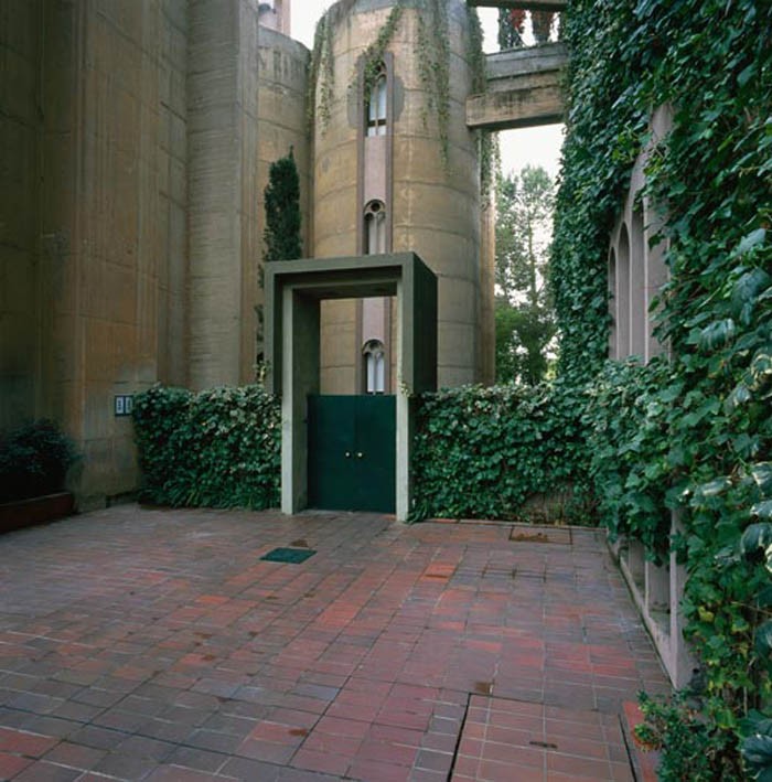 cement factory conversion ricardo bofill barcelona spain 24 Incredible Cement Factory Conversion in Barcelona [30 pics]