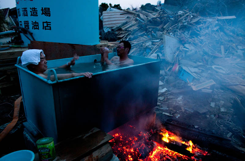 outdoor hot tub in japan after tsunami earthquake 2011 Picture of the Day: Life Goes On