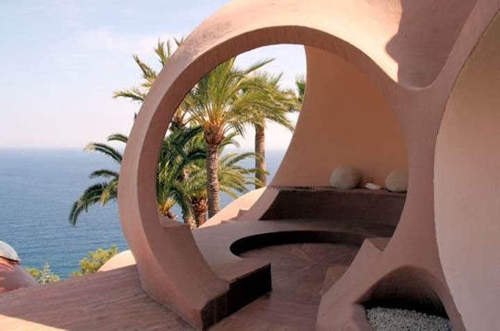 palais bulles palace of bubbles pierre cardin house antti lovag cannes 18 Pierre Cardins Bubble House Palais Bulles by Antti Lovag