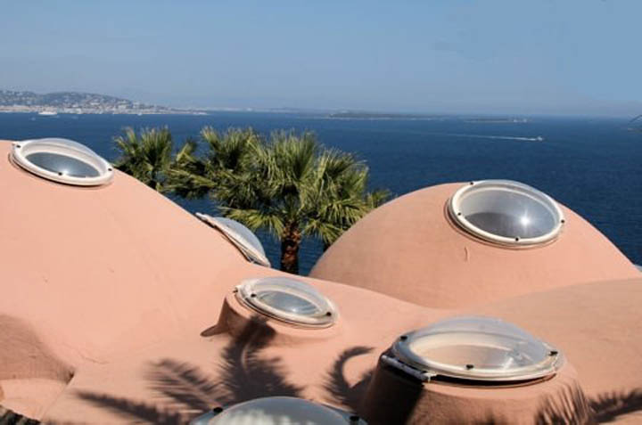 palais bulles palace of bubbles pierre cardin house antti lovag cannes 20 Pierre Cardins Bubble House Palais Bulles by Antti Lovag