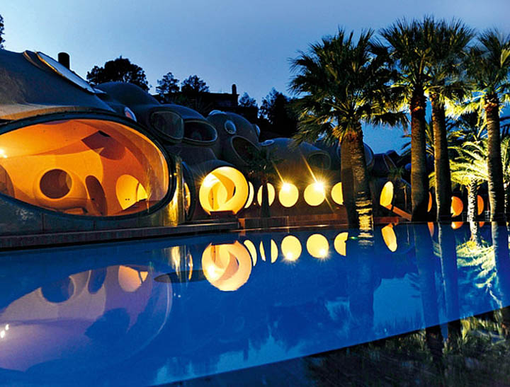 palais bulles palace of bubbles pierre cardin house antti lovag cannes 25 Pierre Cardins Bubble House Palais Bulles by Antti Lovag