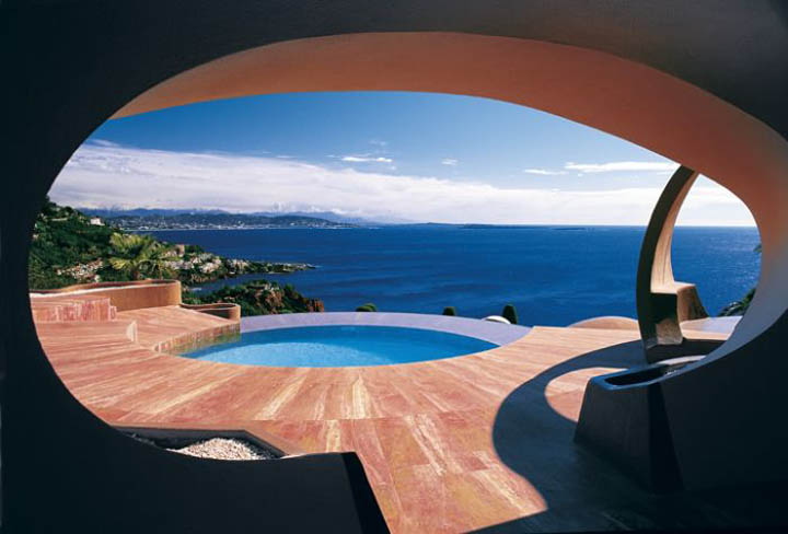 pierre cardin s bubble house palais bulles by antti. Black Bedroom Furniture Sets. Home Design Ideas