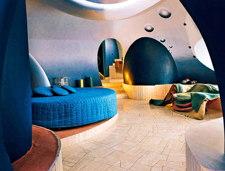 palais bulles palace of bubbles pierre cardin house antti lovag cannes 3 Pierre Cardins Bubble House Palais Bulles by Antti Lovag