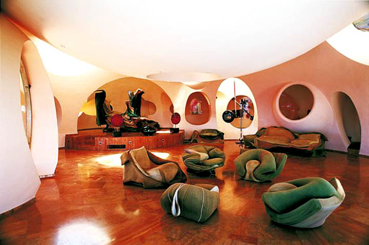 palais bulles palace of bubbles pierre cardin house antti lovag cannes 4 Pierre Cardins Bubble House Palais Bulles by Antti Lovag