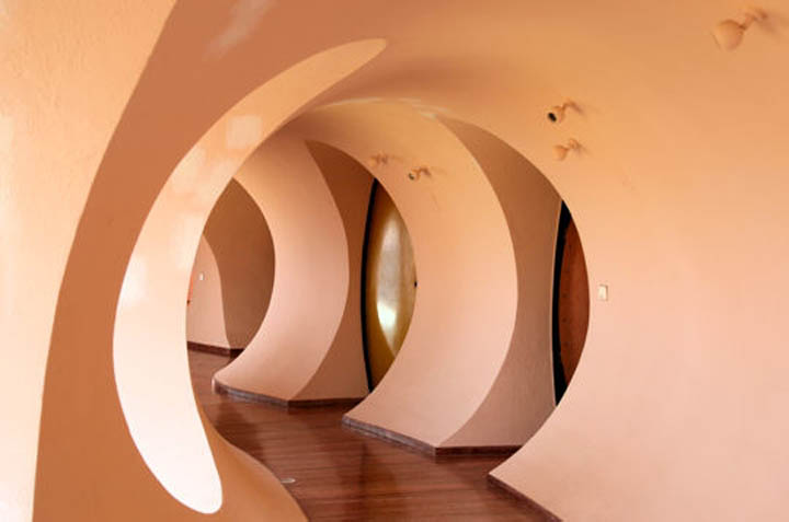 palais bulles palace of bubbles pierre cardin house antti lovag cannes 7 Pierre Cardins Bubble House Palais Bulles by Antti Lovag