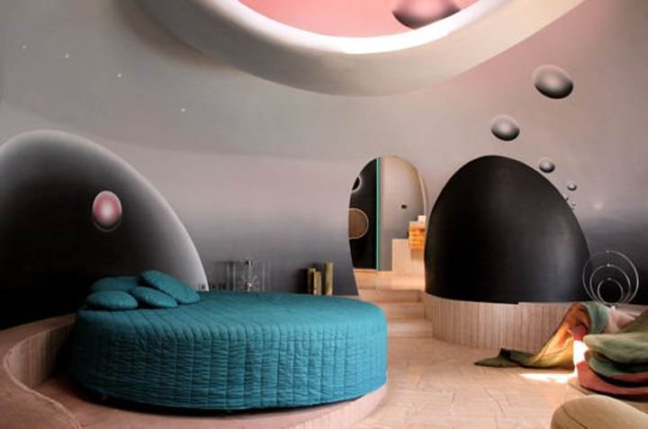palais bulles palace of bubbles pierre cardin house antti lovag cannes 8 Pierre Cardins Bubble House Palais Bulles by Antti Lovag