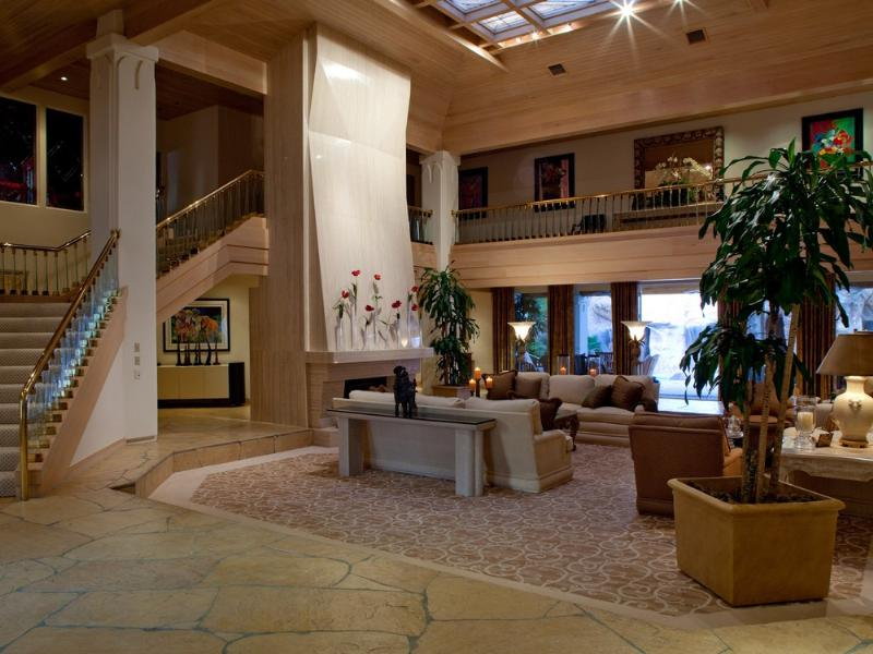 primm party compound complex las vegas 20 Crazy Party Compound in Las Vegas [20 pics]