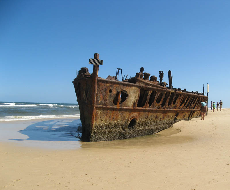 shipwreck fraser island queensland australia 25 Haunting Shipwrecks Around the World