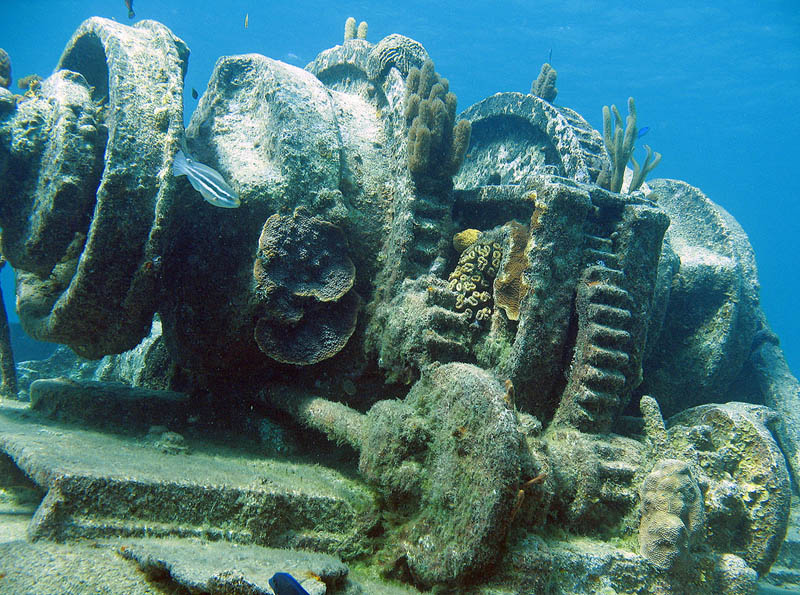 shipwreck grand cayman 25 Haunting Shipwrecks Around the World