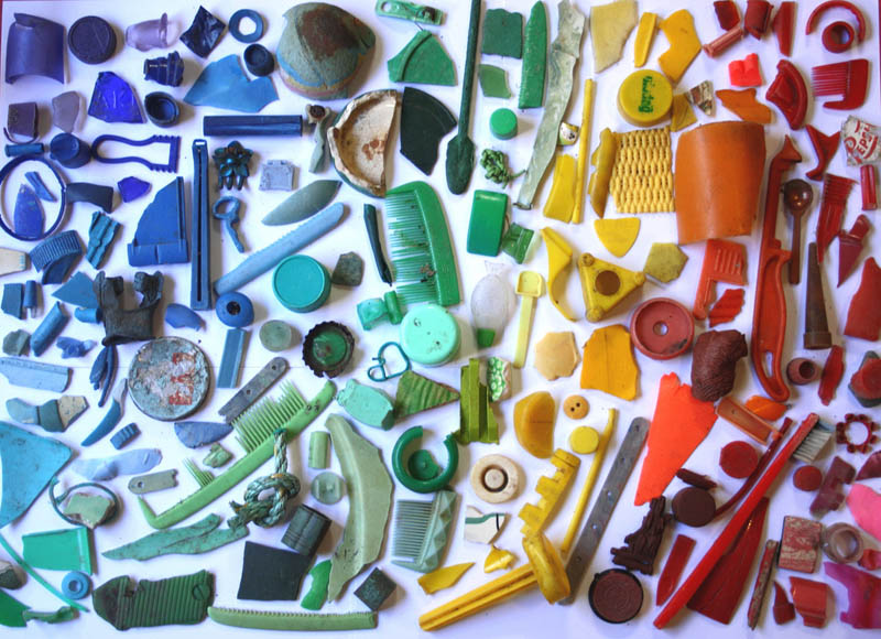 Discarded rainbows by betty jo 20 pics twistedsifter for Art from waste ideas