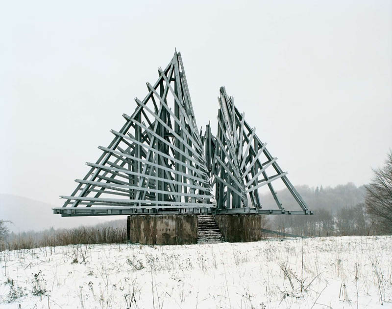 old monuments yugoslavia spomeniks jan kempenaers 11 Forgotten Monuments from the former Yugoslavia