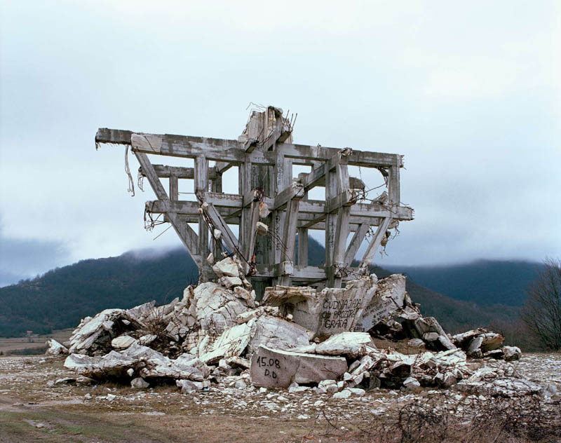 old monuments yugoslavia spomeniks jan kempenaers 13 Forgotten Monuments from the former Yugoslavia