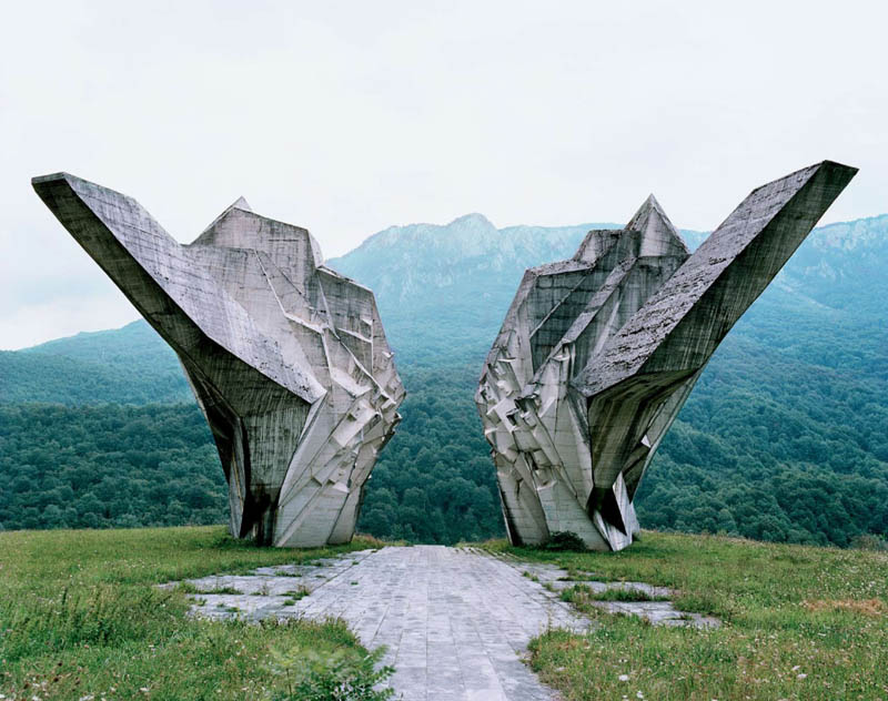 old monuments yugoslavia spomeniks jan kempenaers 14 Forgotten Monuments from the former Yugoslavia