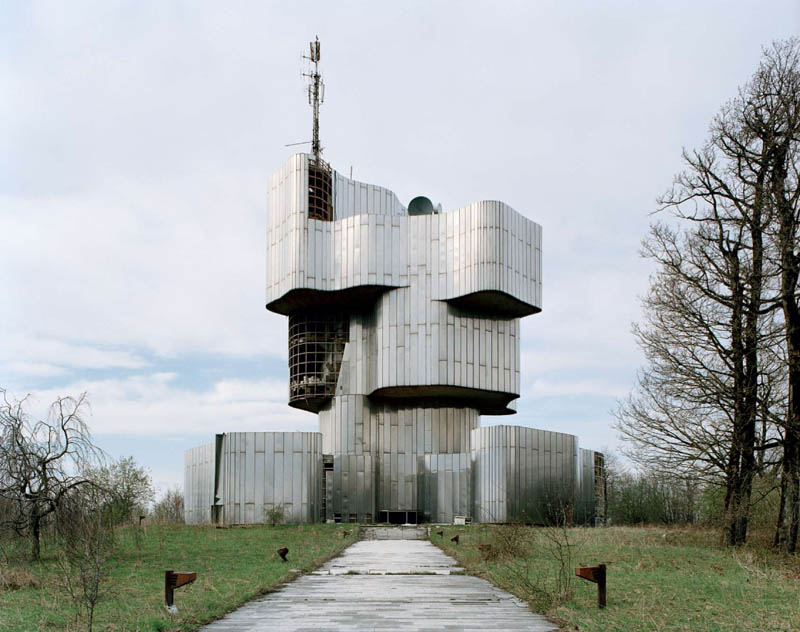 old monuments yugoslavia spomeniks jan kempenaers 2 Forgotten Monuments from the former Yugoslavia