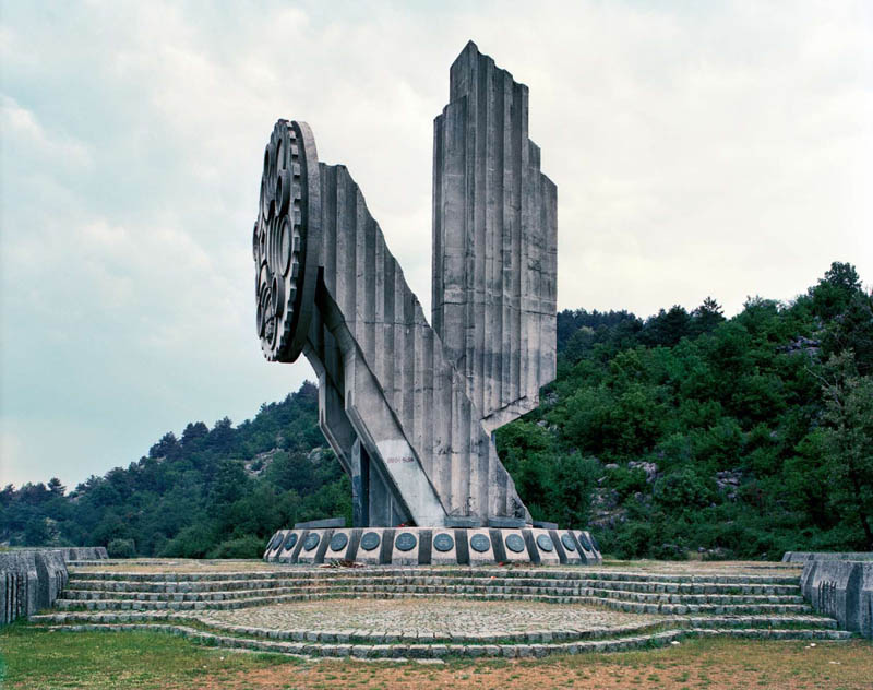old monuments yugoslavia spomeniks jan kempenaers 21 Forgotten Monuments from the former Yugoslavia