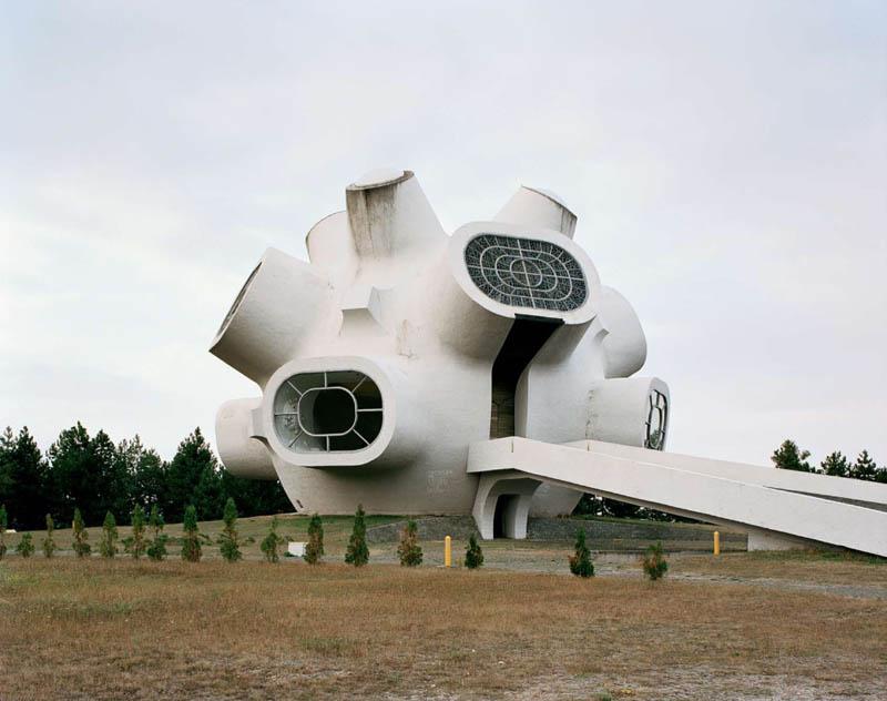 old monuments yugoslavia spomeniks jan kempenaers 4 Forgotten Monuments from the former Yugoslavia