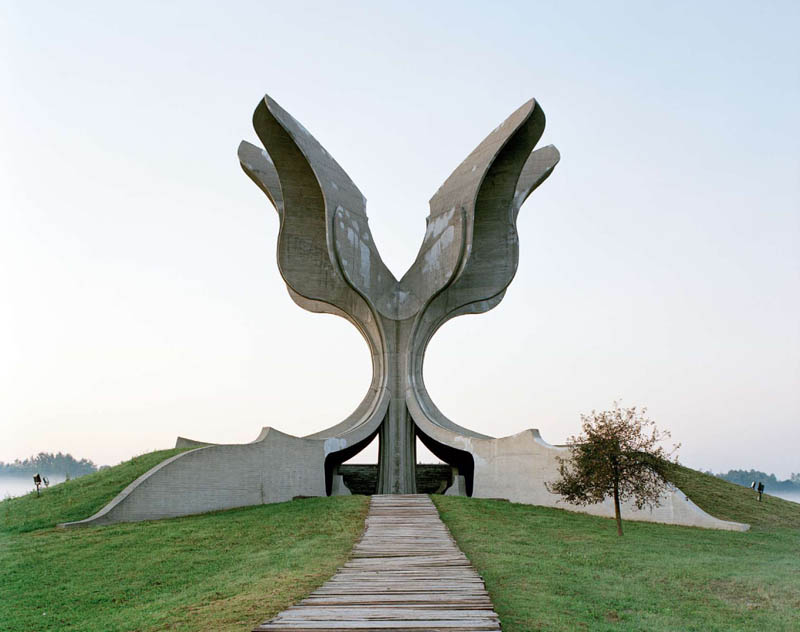 old monuments yugoslavia spomeniks jan kempenaers 8 Forgotten Monuments from the former Yugoslavia