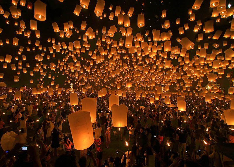 yee peng festival of lanterns chiang mai thailand Picture of the Day: Festival of Lanterns in Chiang Mai, Thailand