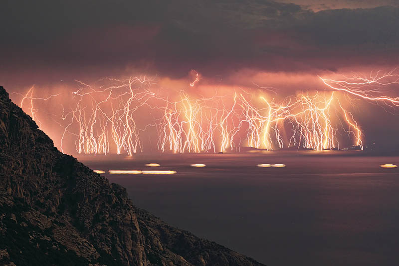 Picture of the Day: 70 Lightning Strikes in One Shot