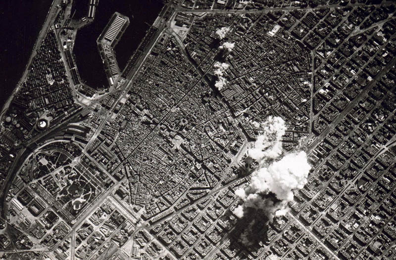 aerial bombing barcelona spain 1938 spanish civil war Picture of the Day: 1938 Aerial Bombing of Barcelona