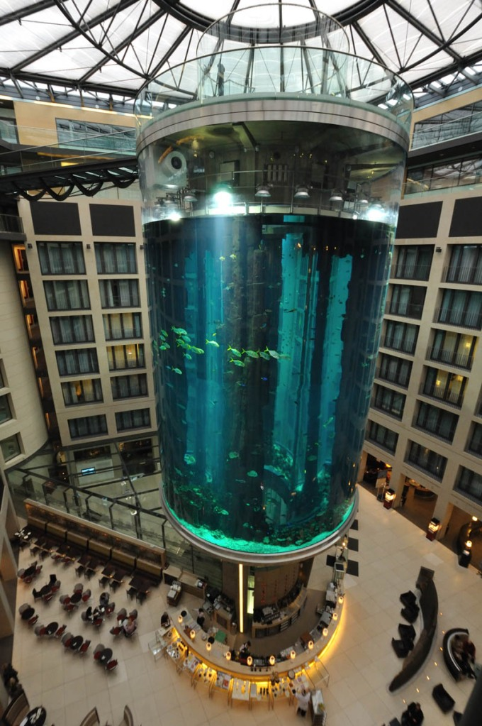 Picture of the Day: World's Largest Free-StandingAquarium