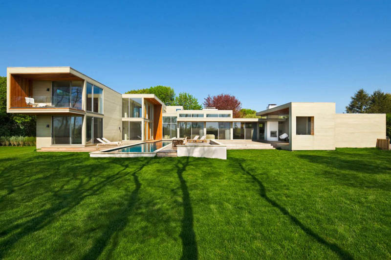 Stunning east hampton ny home by blaze makoid Modern house architect new york