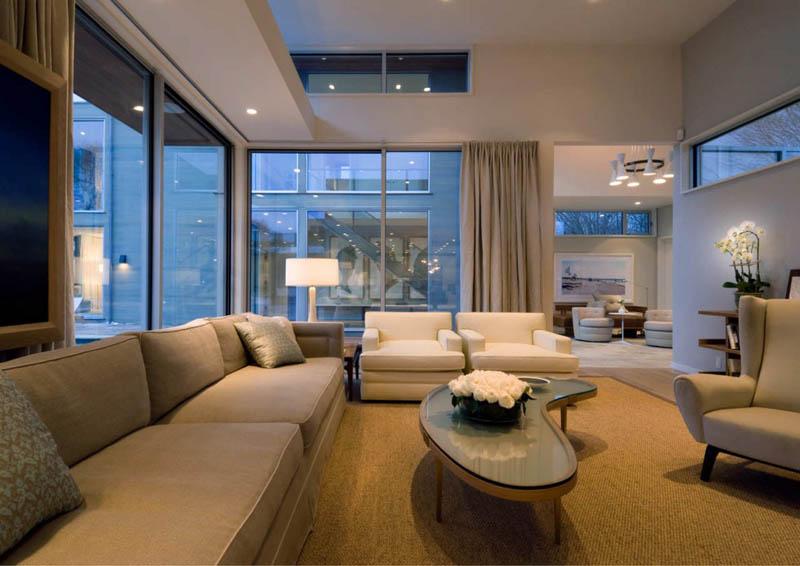 Stunning east hampton ny home by blaze makoid - Green living room ideas in east hampton new york ...