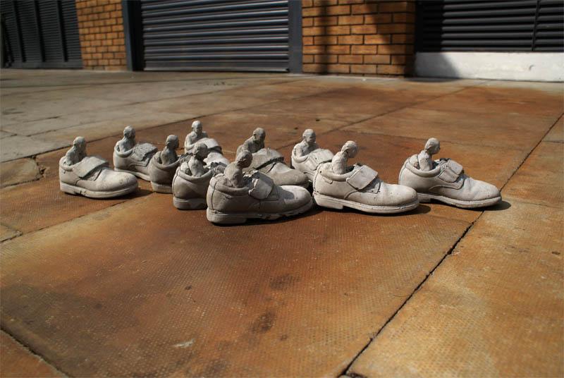 cement miniature sculptures artist isaac cordal 26 Cleverly Placed Miniature Cement Sculptures by Isaac Cordal