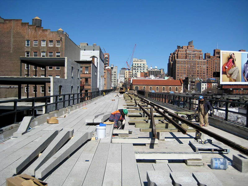 high line under construction new york The High Line: New Yorks Park in the Sky [25 pics]
