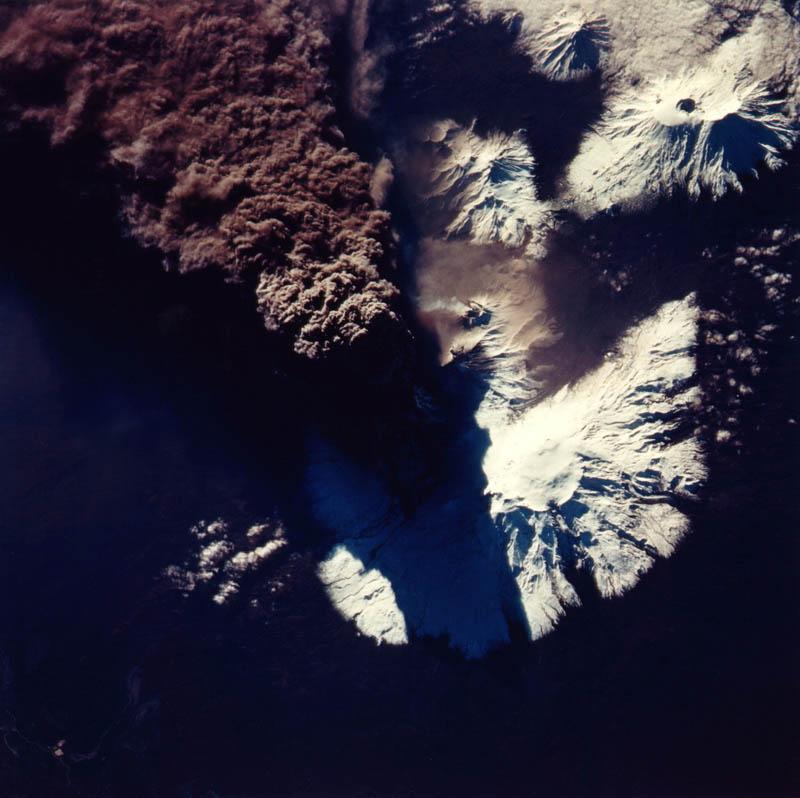 kliuchevskoi volcanic eruption russia 30 Incredible Photos of Volcanic Eruptions