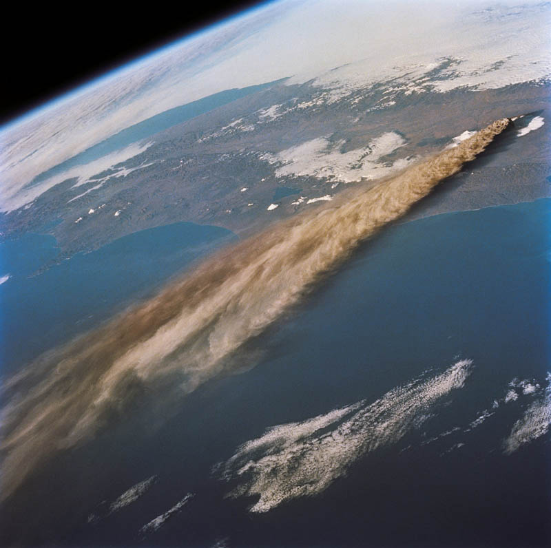kliuchevskoi volcano eruption 1994 30 Incredible Photos of Volcanic Eruptions
