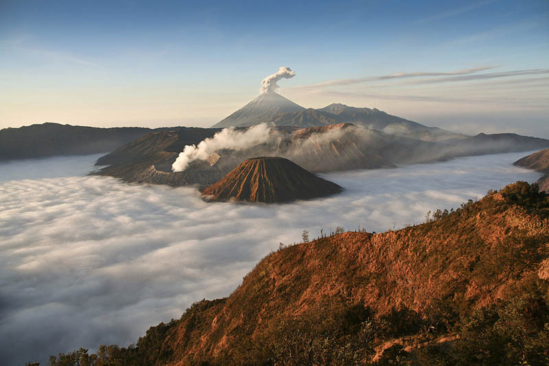 mount bromo volcano eruption 30 Incredible Photos of Volcanic Eruptions