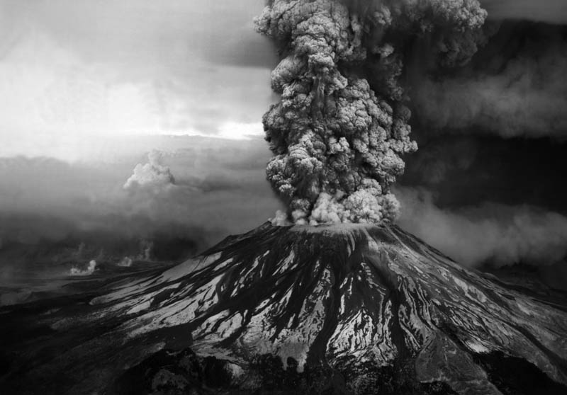 mount st helens volcanic eruption black and white 1980 30 Incredible Photos of Volcanic Eruptions