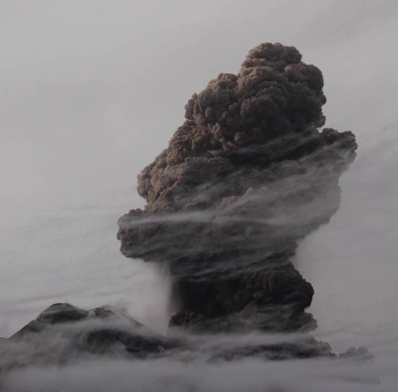 mt etna volcanic eruption 30 Incredible Photos of Volcanic Eruptions